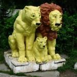 Фигуры львов в Северском зоопарке. Фото: Fellliny